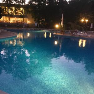 Fotografie hotelů: Pool View Apartment, St. St. Constantine and Helena