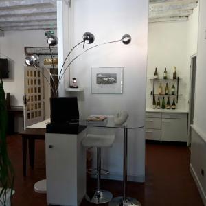 Hotel Pictures: Hotel Restaurant La Croix Blanche, Beaurepaire-en-Bresse