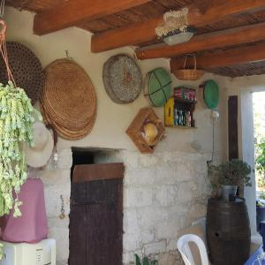 Hotel Pictures: Traditional village stone house outdoor courtyard, Simou