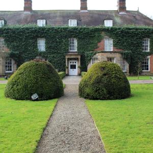 Hotel Pictures: Risley Hall Hotel, Risley