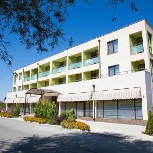 Фотографии отеля: Hotel-Clinic Dr. Gechevi, Павел-Баня