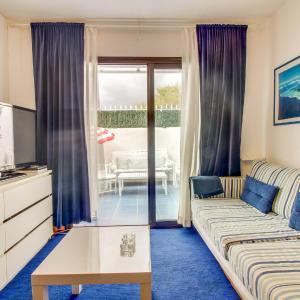 Hotel Pictures: Apartamento La Marina, Arona