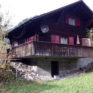 Hotel Pictures: Ferienhaus Scharmeli, Matten