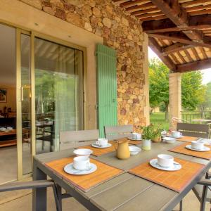 Hotel Pictures: Holiday Home Patifiage, Le Barroux
