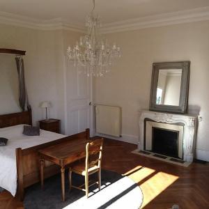 Hotel Pictures: B&B Le Domaine Des Soyeux, Saint-Julien-Molin-Molette