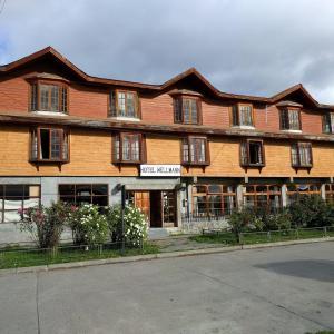 Hotel Pictures: Hotel Wellmann, Cochrane