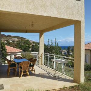 Hotel Pictures: Two-Bedroom Apartment in Sisco Marine, Marine de Sisco