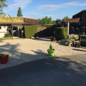 Hotel Pictures: Le Mas Des Lilas, Escolives-Sainte-Camille