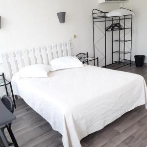 Hotel Pictures: Au Nouvel Hôtel, Toulon