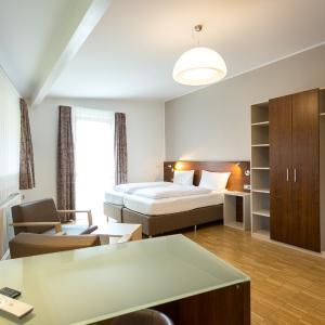 Hotel Pictures: Seehörnle Hotel & Gasthaus, Gaienhofen