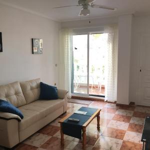 Hotel Pictures: 133 Casa Mairadri, Orihuela Costa