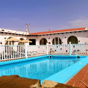 Hotel Pictures: Villa Abraham, Tefía