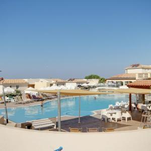 Hotel Pictures: Rhea House, Paphos City
