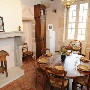 Hotel Pictures: Holiday Home Château de Sermizelles, Sermizelles