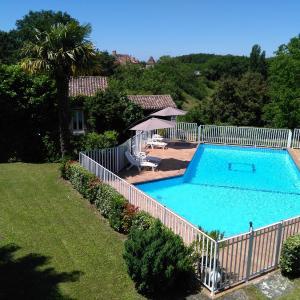Hotel Pictures: Maisons de Vacances La Petite Barjoune, Monpazier