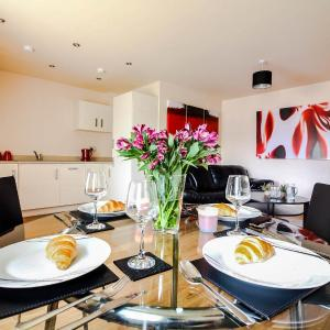 Hotel Pictures: UR City Pad - Regent Wharf, Walsall