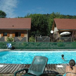 Hotel Pictures: chalet des planchettes, Marigny