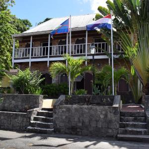 Hotel Pictures: The Old Gin House, Oranjestad