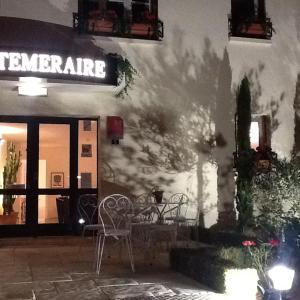 Hotel Pictures: Hotel Le Temeraire, Charolles