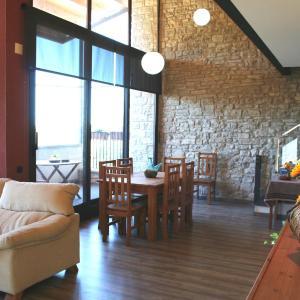 Hotel Pictures: Casa Martí, Castellnou de Olujas