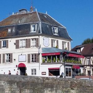 Hotel Pictures: Le Cabouillet, L'Isle-Adam