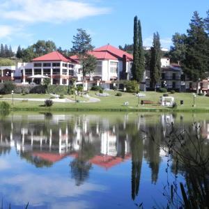 Hotel Pictures: Gran Hotel del Lago, La Falda