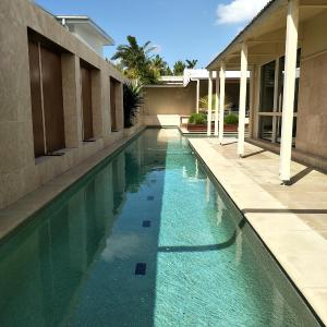 Hotelbilleder: Villa Murraya - 20M pool Pets Allowed, Tewantin
