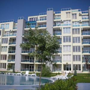 Hotelbilleder: Oasis Suites Apartments and Studios, Ravda