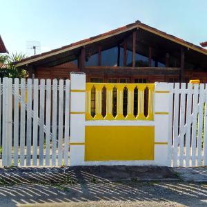 Hotel Pictures: Casa Na Região Dos Lagos, Araruama