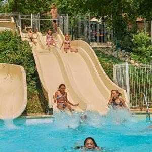 Hotel Pictures: FranceComfort - Village des Cigales, Mauroux
