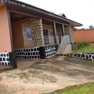 Hotel Pictures: Whitestone - Guest House, Bamenda