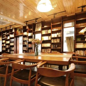 Hotel Pictures: 3 Book House, Fuyang