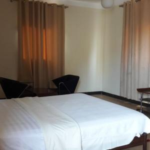 Zdjęcia hotelu: FD & Filhos Guesthouse, Futungo de Belas