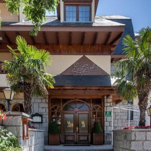 Hotel Pictures: Hotel Las Gacelas by Selecta, Becerril de la Sierra