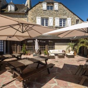 Hotel Pictures: Logis Hotel Au Relais Aspois, Gurmençon
