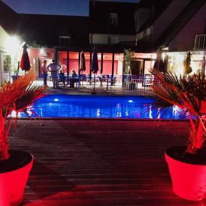 Hotel Pictures: Les Terrasses de Saumur - Hôtel Restaurant & SPA, Saumur