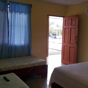 Hotel Pictures: Cabinas los Sueños, Fortuna