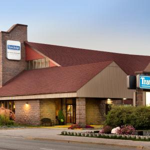 Hotel Pictures: Travelodge Lakeshore North Bay, North Bay
