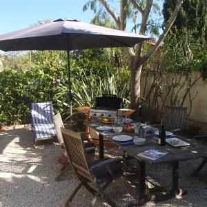 Hotel Pictures: La Nomade, Sanary-sur-Mer