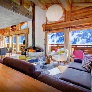 Hotel Pictures: Sweet Nest Lodge, La Clusaz