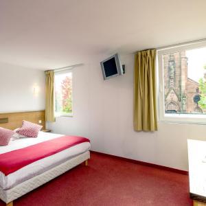 Hotel Pictures: Notre Dame (L'Ermitage), Haguenau
