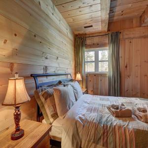 Hotel Pictures: Chalet Azur du Paradis, Sainte-Agathe-des-Monts