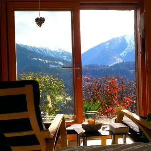 Hotel Pictures: Ferienwohnung mit Sicht auf die Berge (Nähe Flims/Laax), Trin