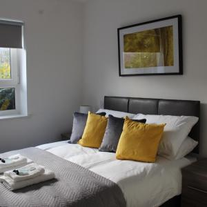 Hotel Pictures: Luxury 2 Bedroom Apartment close to Romford Town Centre, Romford