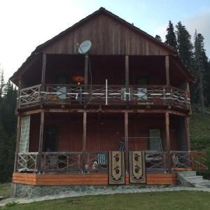 Hotellikuvia: House in Mountain Resort Bahmaro, Bakhmaro