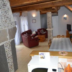 Hotel Pictures: House Virandeville - 5 pers, 109 m2, 4/3, Virandeville