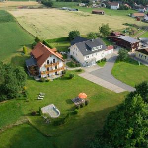 Hotelbilleder: Gästehaus Sporrer, Neualbenreuth