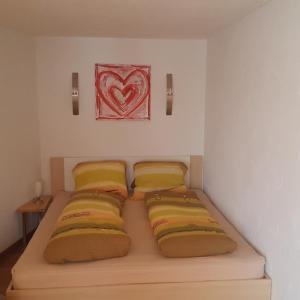 Hotel Pictures: Schöne Einliegerwohnung in Gähwil, Gähwil