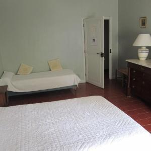 Hotel Pictures: Chateau du Rey, Saint-André-de-Majencoules