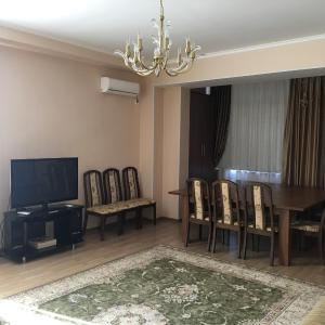 Фотографии отеля: Shonya's Apartment, Бишкек